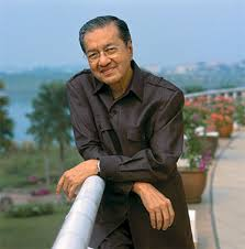Tun Mahathir becomes healthy after Badawi is removed as Prime Minister in 2009 (net image)