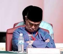 Abdullah Badawi - Sleeping during a lively UMNO meeting...