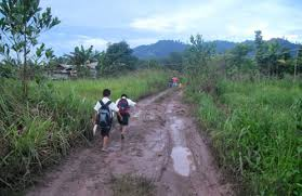 Going to school in rural Sabah (net image)